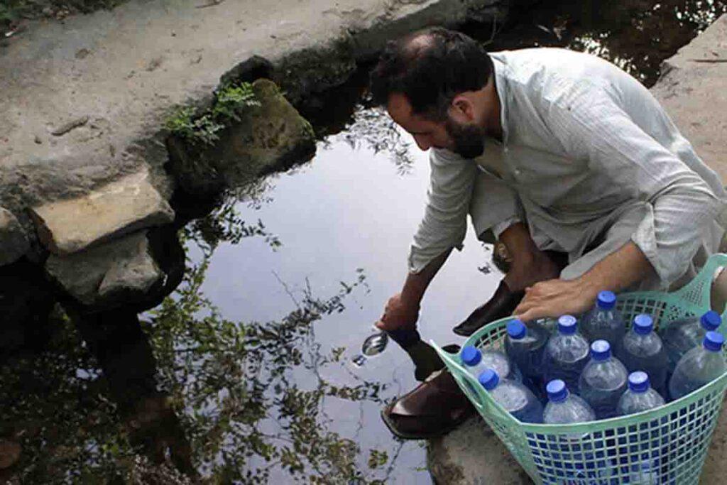 Shortage of Water in Mohallah Sohaibzeib Nawan Sehar