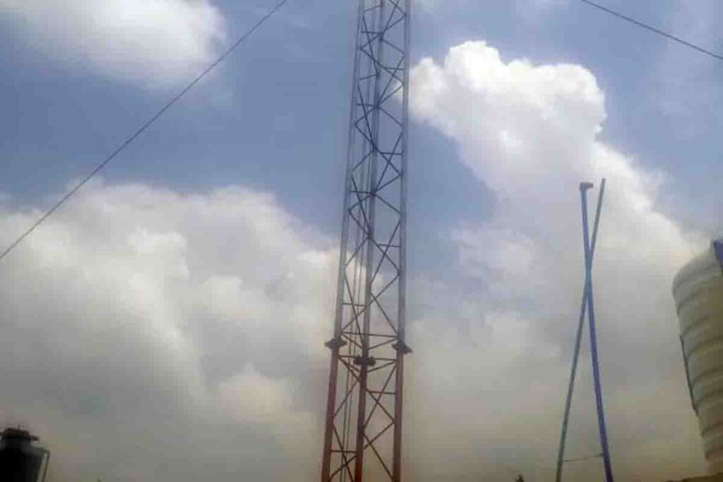 Illegal Internet Tower Installed in Jinnahabad