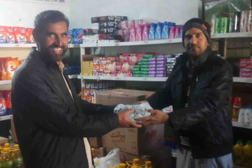 High example of honesty In-charge of Utility Store Sherwan returned Rs. 380,000.