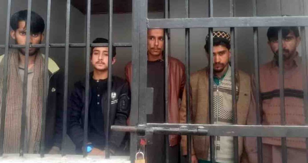 PS Mangal Raids on Internet Cafe 4 Arrested