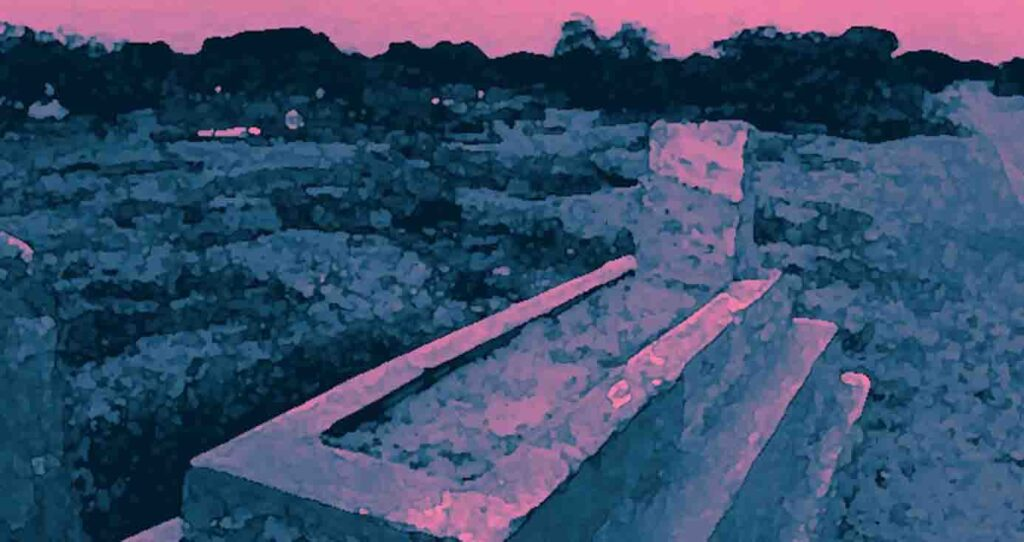 Treasure hunt Unidentified persons lost a 150-year-old grave of an elderly man in Kurnool village.