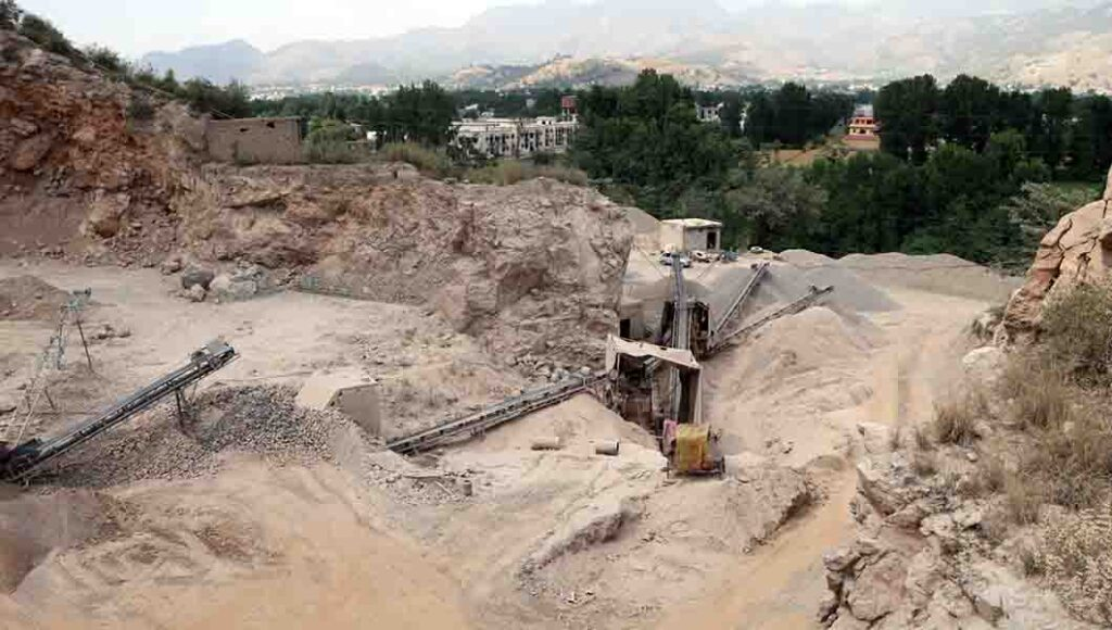 ABBOTTABAD: Jun04 – Machines have been used for cutting & crushi